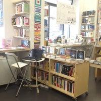 Foto scattata a Libreria Assaggi da Valeria il 1/30/2013