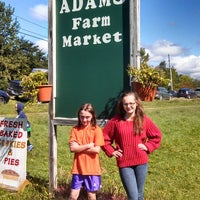 Photo taken at Adams Apple Orchard and Farm Market by Jennifer F. on 9/14/2013