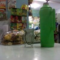 Photo taken at Maxikiosko Amigooo by Gerchu B. on 9/25/2012
