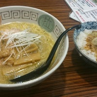 Photo taken at らぁめんとホルモン焼 もつの屋 by なな on 4/10/2016