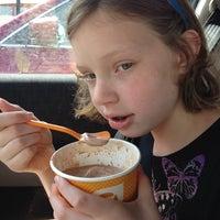Photo taken at Orange Leaf Frozen Yogurt by Tina A. on 5/31/2014