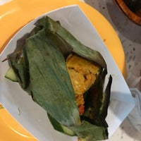Foto scattata a Kopitiam da Jason F. il 8/30/2018