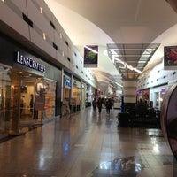Foto tomada en Boulevard Mall por Ash N. el 10/13/2012