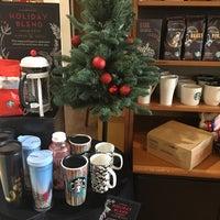 Photo taken at Starbucks by Yuki Y. on 11/12/2016