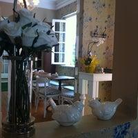 Photo taken at Café Café Bistrô by Graziela A. on 10/15/2012