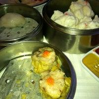 3/26/2013 tarihinde Al A.ziyaretçi tarafından The Palace Seafood & Dim Sum'de çekilen fotoğraf