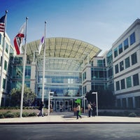 Photo taken at Apple Inc. by murray on 3/5/2013