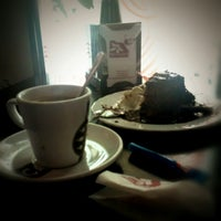 Foto tomada en Cafe Strudel por Darco T. el 1/1/2013
