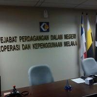 Photo taken at Pejabat Perdagangan Dalam Negeri, Koperasi Dan Kepenggunaan Negeri Melaka by Lynn A. on 10/17/2012