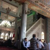 Photo taken at Haydarpaşa Camii by YAWUZ on 9/12/2014