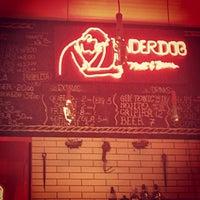 Foto tirada no(a) Underdog Meat & Beers por Sérgio P. em 10/22/2014