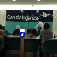 Photo taken at Garuda Indonesia Surabaya Office by Ariza on 11/7/2012