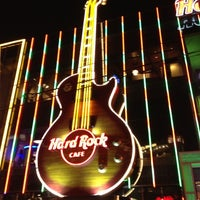 Das Foto wurde bei Hard Rock Cafe Las Vegas von Luiz Gui. R. am 12/6/2012 aufgenommen