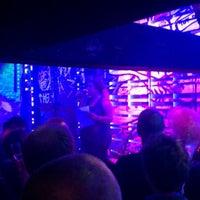 Photo prise au Club NYX par Diana v. le12/19/2012