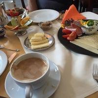 Photo taken at Cafe Klinge by Christine H. on 7/10/2016