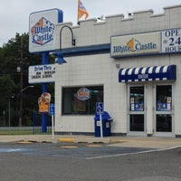 Photo taken at White Castle by Di on 7/13/2014