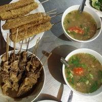 Photo taken at Soto Ayam & Ayam Goreng Bangkong by Dicky D. on 1/1/2017