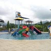Photo taken at Hotel Seruni Gunung Salak 3 by Adri C. on 10/14/2016