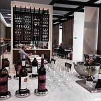 Foto tirada no(a) LATAM VIP Lounge por Diego R. em 11/2/2014