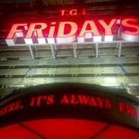Photo taken at TGI Fridays by Richy T. on 3/28/2013