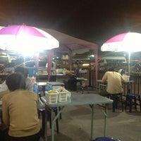 Photo taken at สเต็กลุงหนวด ราชพฤกษ์ by Ning@ N. on 1/23/2013