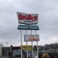 Photo taken at Big Boy Burgers by Jess B. on 4/8/2013