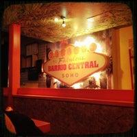 รูปภาพถ่ายที่ Barrio Central โดย Mathew C. เมื่อ 1/12/2013