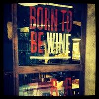10/1/2013 tarihinde Dani S.ziyaretçi tarafından Can Cisa / Bar Brutal'de çekilen fotoğraf