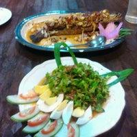 Photo taken at Im Plaphao by Dum Sandhabhatra on 12/27/2012