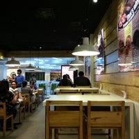 Foto tomada en Pepper Lunch Express por Sherwin D. el 3/16/2013