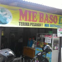 Photo taken at Mie Baso Dudung by Julian S. on 3/20/2015