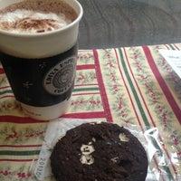 Photo taken at EDIYA COFFEE by Sotishana on 1/21/2013