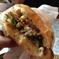 Photo prise au Paseo Caribbean Food par Justin M. le10/19/2012