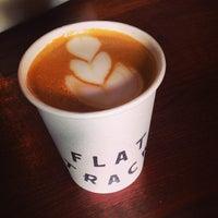 Das Foto wurde bei Flat Track Coffee von Jessica F. am 10/1/2014 aufgenommen