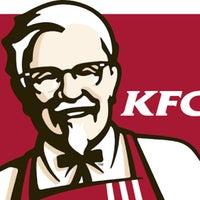 Photo taken at Kentucky Fried Chicken by ··OƆIЯ·· on 3/10/2016