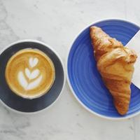 Foto tirada no(a) Norm Coffee por Norm Coffee em 6/10/2015