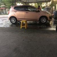 Photo taken at BHP SS12 car wash by Fatinamiraaaaa on 8/22/2017