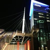 3/30/2013 tarihinde Jude T.ziyaretçi tarafından Millenium Bridge'de çekilen fotoğraf