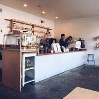 Снимок сделан в Maru Coffee пользователем Kevin Burg 6/8/2018