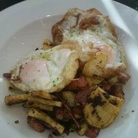 Foto tomada en L escola Restaurant por Maribel D. el 11/19/2012