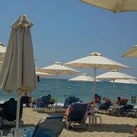 Photo taken at Ακτή του Ήλιου by 🇲.🇪.🇱.🇱 Ⓜ. on 7/25/2013