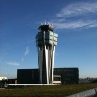 Foto tomada en Aeropuerto de Santiago de Compostela (SCQ) por @TaxiGalicia el 1/7/2013