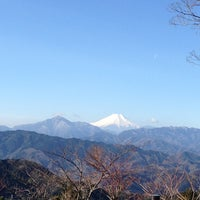 Photo taken at Top of Mt. Takao by KOBU on 2/3/2013