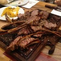 11/3/2013 tarihinde Gizem A.ziyaretçi tarafından Günaydın Kasap & Steakhouse'de çekilen fotoğraf