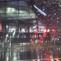 Foto tomada en Mercedes-Benz Stadium por Brenda D. el 12/6/2017