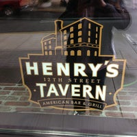 Photo prise au Henry's 12th Street Tavern par Ryan B. le5/25/2013
