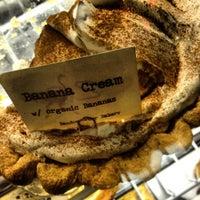 6/22/2013 tarihinde Ryan S.ziyaretçi tarafından Random Order Pie Bar'de çekilen fotoğraf