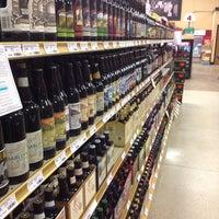 รูปภาพถ่ายที่ Binny's Beverage Depot โดย Casey W. เมื่อ 10/12/2013