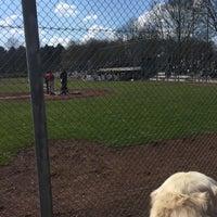 Das Foto wurde bei Baseballstadion Rheinaue von Darya G. am 4/5/2015 aufgenommen