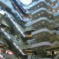 Foto tirada no(a) Beiramar Shopping por Heitor I. em 10/10/2012